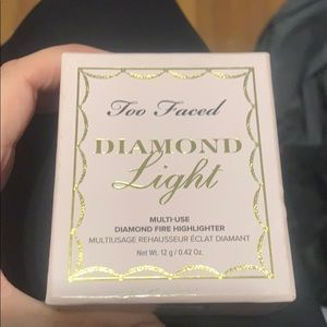 Too faced diamond light